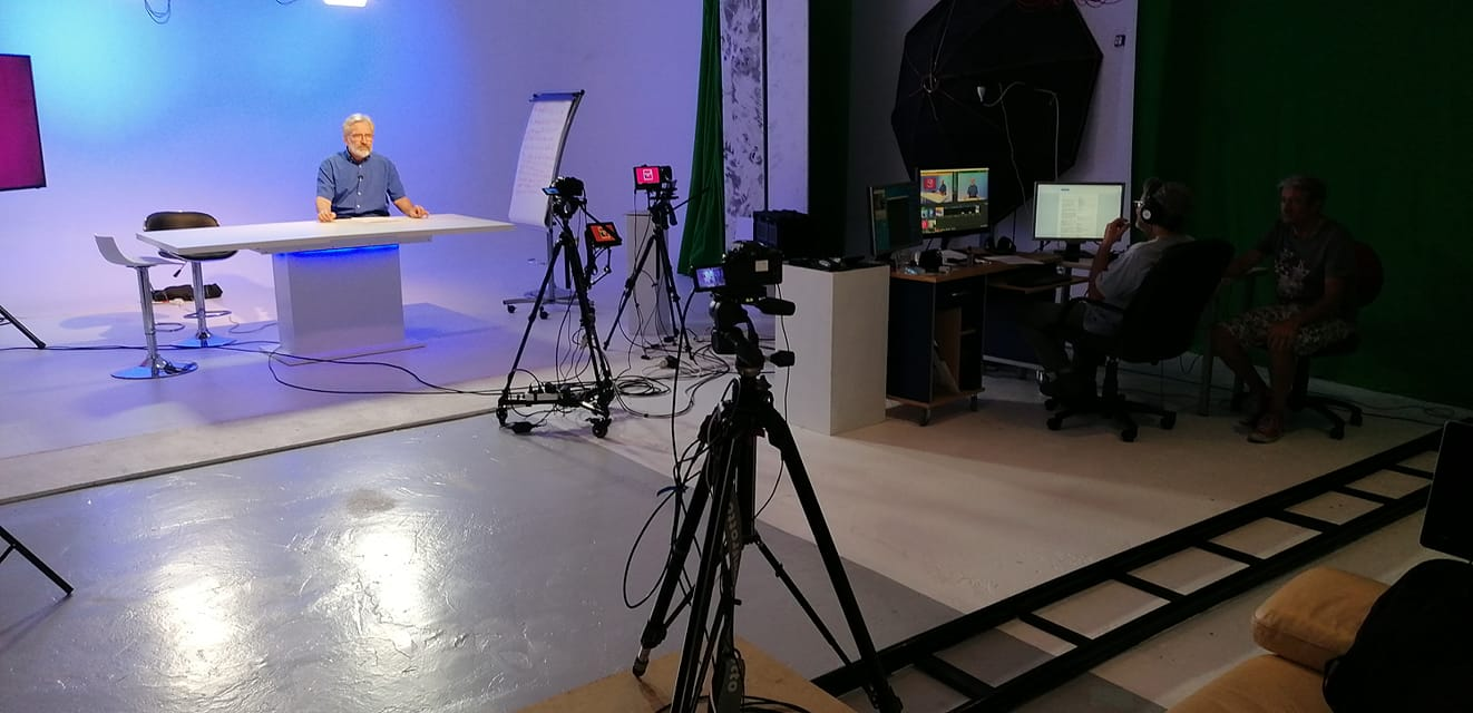 Webinair Webinar sur plateau TV